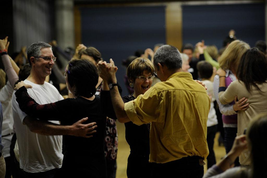 Dancing communities la sant par la danse de salon gen ve - Danse de salon geneve ...